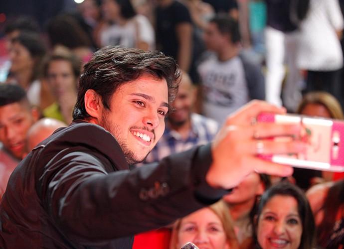Todo mundo quer uma selfie com o campeão, Renato Vianna (Foto: Isabella Pinheiro)