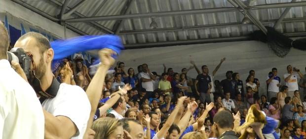 Torcida Cruzeiro vôlei (Foto: Rodrigo Fuscaldi / Globoesporte.com)