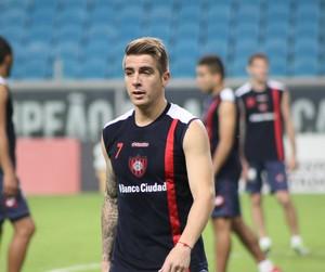 Buffarini, lateral-direito do San Lorenzo  (Foto: Diego Guichard)
