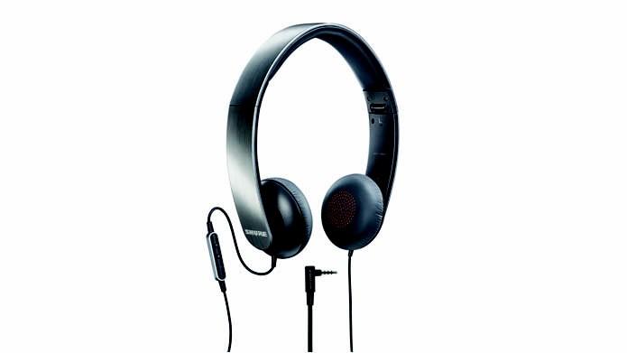 Fone de ouvido possui microfone embutido e controle remoto (Foto: Divulgação/Shure)