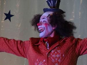 Palhaço da Cia Circo Navegador  (Foto: Luna Markman / G1 PE)
