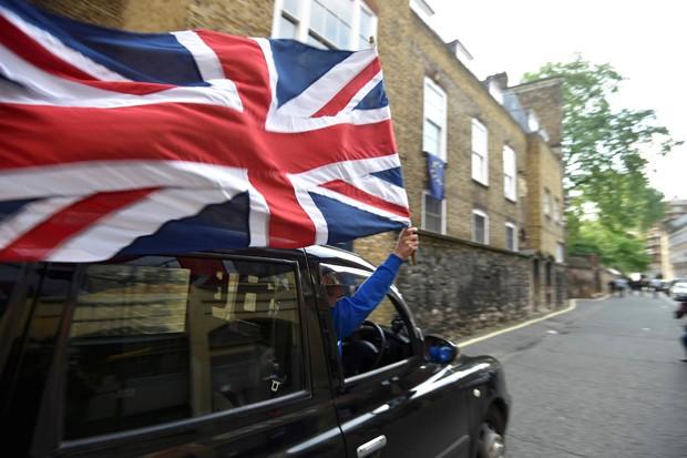 Brit�nicos decidiram deixar a Uni�o Europeia (Foto: Toby Melville/Reuters)