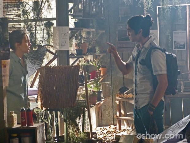 Antônio pega Anita no flagra (Foto: Malhação / Tv Globo)