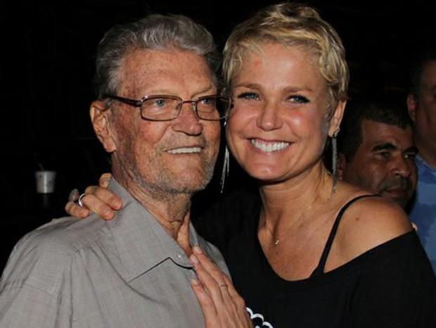 Xuxa e o pai, Luiz Floriano Meneghel (Foto: Marcello Sá Barretto/AgNews)
