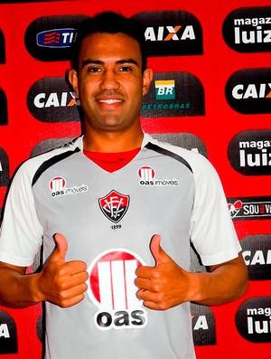 Renato Santos, zagueiro do Vitória (Foto: Divulgação/Site oficial EC Vitória)