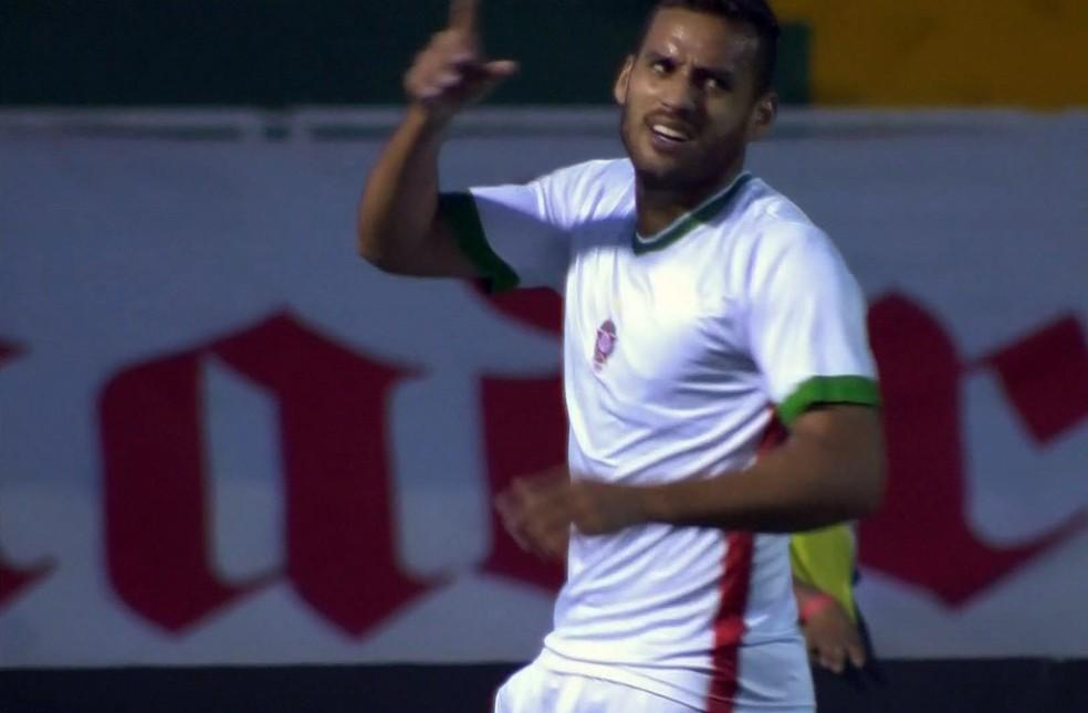 Atacante Gilmar entrou no segundo tempo, mas segundo Julinho Camargo, ainda não está 100% (Foto: Reprodução Premiere FC)