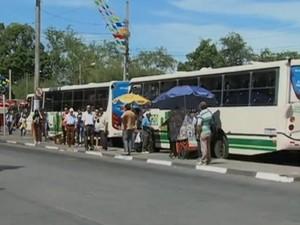 Ônibus em Caruaru, PE (Foto: Reprodução/ TV Asa Branca)