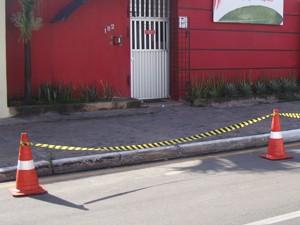 Local onde assassino de Décio Sá ficou aguardando a saída do jornalista. (Foto: Zeca Soares)