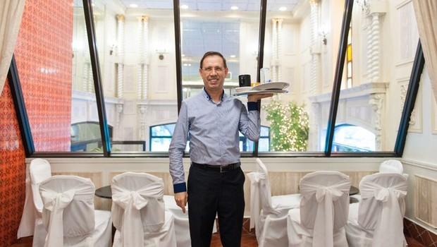Carlos Wizard no restaurante Bethwood, em Nova York (Foto: Divulgação)