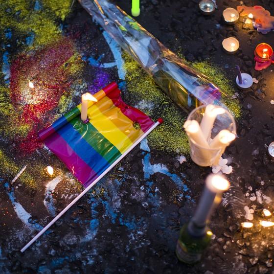 Manifestação pró-gays pós atentados em boate na Flórida (Foto: Jack Taylor/Getty Images)