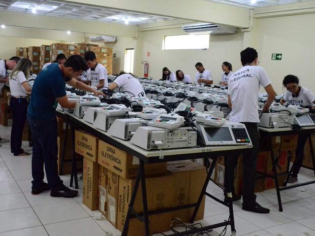 Cartório Eleitoral deve entregar 1.038 urnas em Santarém, Belterra e Mojuí dos Campos (Foto: Weldon Luciano/G1)