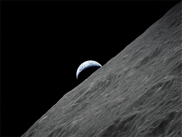 Lua e Terra (Foto: Nasa/Reuters)