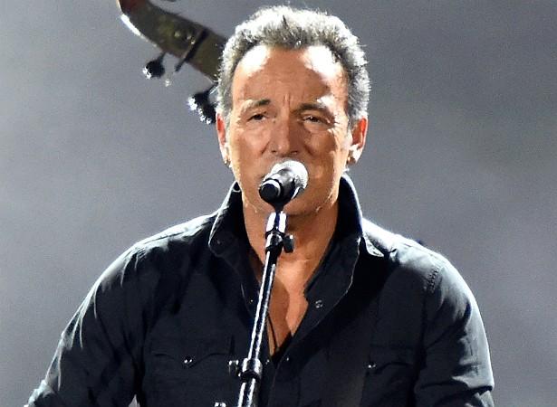 Os fãs de Bruce Springsteen vão gostar de saber que ele fez um seguro de 6 milhões de dólares para suas cordas vocais. (Foto: Getty Images)