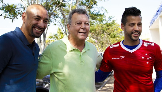 Fábio, Gomes e Raul Cruzeiro (Foto: Washington Alves/Light Press)