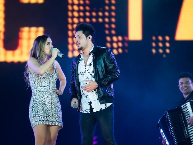 Thaeme & Thiago cantam 'Tchá Tchá Tchá' no palco de Barretos (Foto: Érico Andrade/G1)