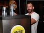 Cervejaria da qual Malvino Salvador  é sócio sofre críticas por campanha