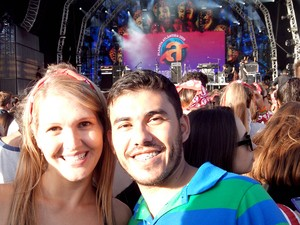 O casal de namorados Grasi Karabasch e Edenilson Souza (Foto: Arquivo pessoal)
