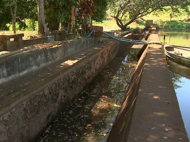 Com o baixo nível dos reservatórios de água, Bebedouro está fazendo racionamento de água das 13h às 17h (Foto: Reprodução/EPTV)