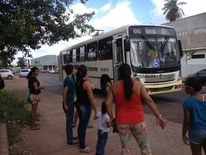 Passagem de ônibus a R$ 2,75 será cobrada a partir de sábado (5) (Foto: Fabiana Figueiredo/G1)