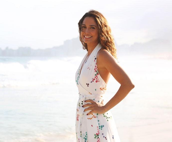 Sempre linda, Camila faz pose em cenário deslumbrante (Foto: Carol Caminha/Gshow)