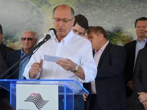 Geraldo Alckmin na inauguração da ponte do Anel Viário em Piracicaba  (Foto: Marcello Carvalho/G1)
