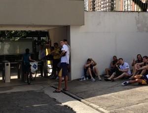 Jogadores do São José Basquete esperavam treinar em Pinheiros (Foto: Reprodução/ Twitter)