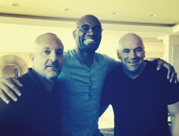 Lorenzo Fertitta, Anderson Silva e Dana White. (Foto: Reprodução / Instagram)