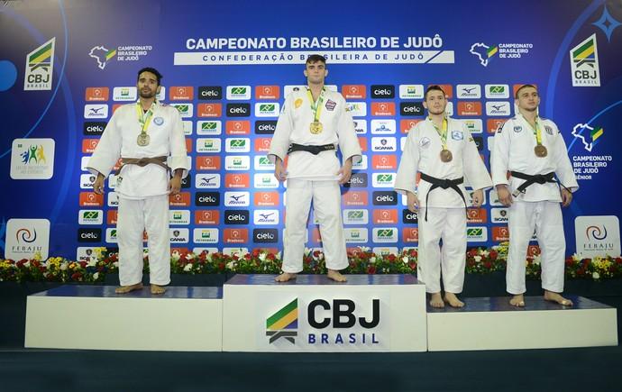 Rafael Macedo campeão brasileiro sênior 81kg (Foto: Paulo Pinto/CBJ)