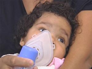 Remédios para asma serão disponibilizados de graça em farmácias populares. (Foto: reprodução/TV Tem)