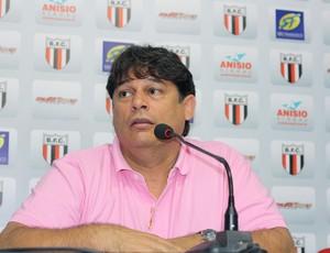 Técnico Marcelo Veiga, do Botafogo-SP (Foto: Cleber Akamine / globoesporte.com)