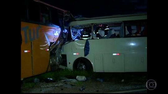 Polícia Civil divulga lista de mortos em acidente entre dois ônibus