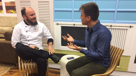 Paulinho Serra responde perguntas dos fãs e comenta volta à disputa do 'Super Chef'