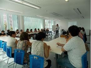 Professores durante curso de formação na Escola do Olhar (Foto: Divulgação/ MAR)
