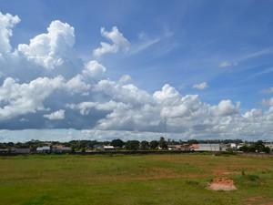 Períodos de sol intercalados com nuvens em todo Cone Sul de Rondônia (Foto: Dennis Weber/G1)