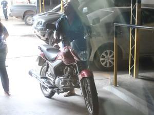 Três motos foram  apreendidas e encaminhadas para sede da polícia federal em Teresina (Foto: Gilcilene Araújo/G1)