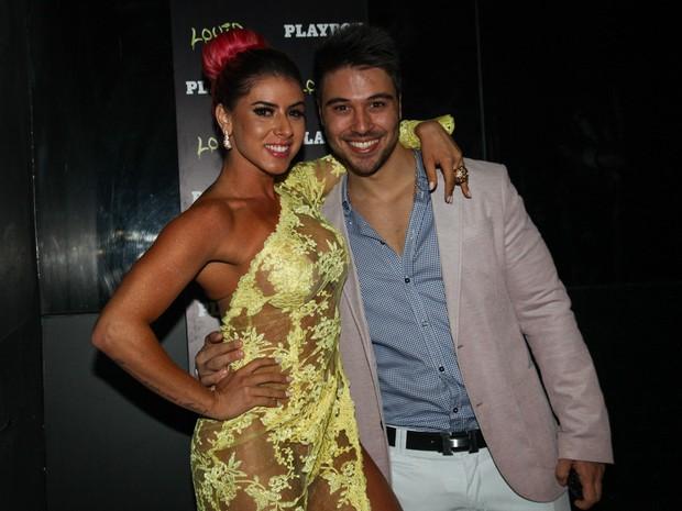 Thais Bianca com o namorado, Douglas D'amore, em boate em São Paulo (Foto: Manuela Scarpa/ Foto Rio News)
