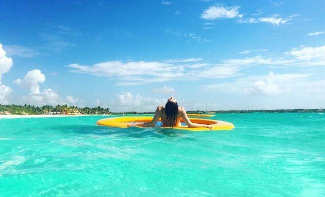 Fernanda Vasconcellos em Anguilla  (Foto: Reprodução/Instagram)
