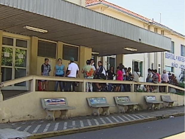 Falta de médicos causa transtornos aos moradores de Barra Bonita  (Foto: Reprodução/TV Tem)