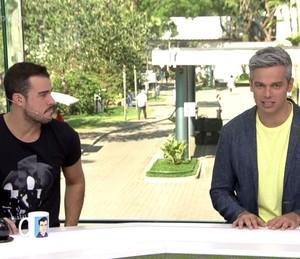 Apresentadores falam de canção de sucesso (Foto: TV Globo)