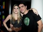 Marcelo Adnet e Dani Calabresa prestigiam lançamento de celular