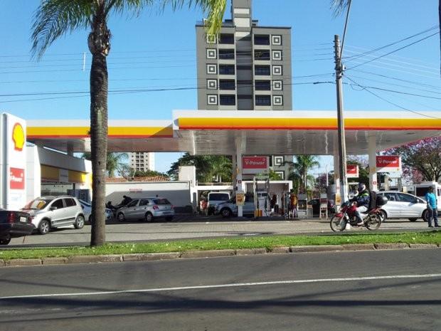 Posto de combustíveis em Piracicaba onde a discussão aconteceu durante a madrugada (Foto: Eduardo Guidini/G1)