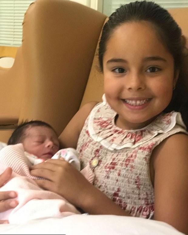 A pequena Manuela, oitava filha de Roberto Carlos, com Marina, a nona (Foto: Reprodução/Instagram)