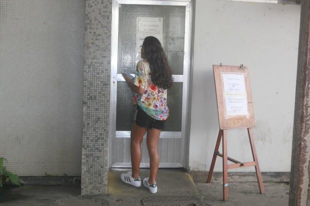 Falcão vai a laboratório realizar teste de DNA (Foto: Isac Luz/Ego)