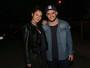Yanna Lavigne, grávida, vai com Bruno Gissoni a evento de luta