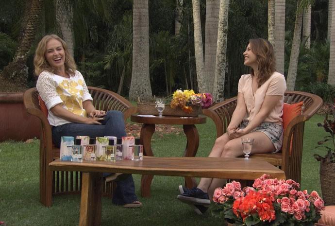 Angélica bate um papo com Letícia Colin no Estrelas (Foto: Gshow /TV Globo)