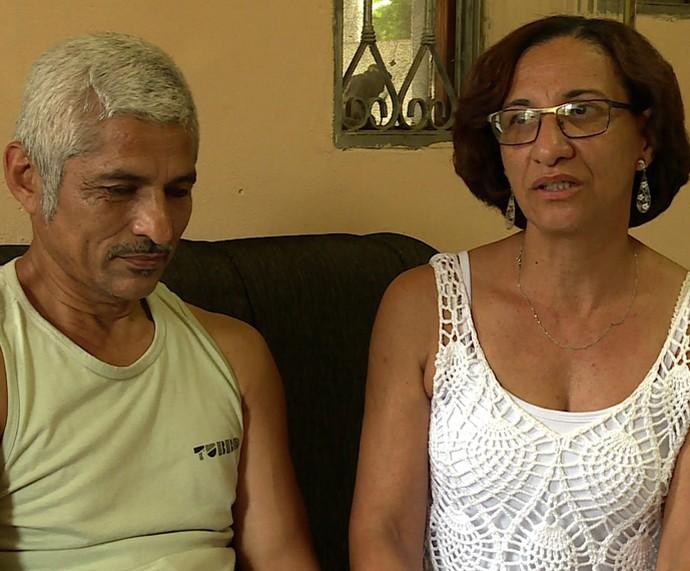 Pai e mãe do atleta paralímpico Lucas Araújo (Foto: TV Globo)