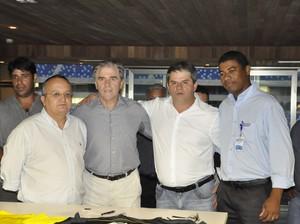 FMF, TVCA e Gazin assinaram os contratos referentes a parceria para o Mato-grossense 2015 (Foto: Christian Guimarães)
