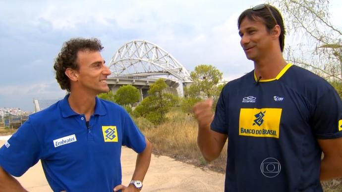 Emanuel e Ricardo voltam a Atenas e se emocionam (Foto: Reprodução TV Globo)