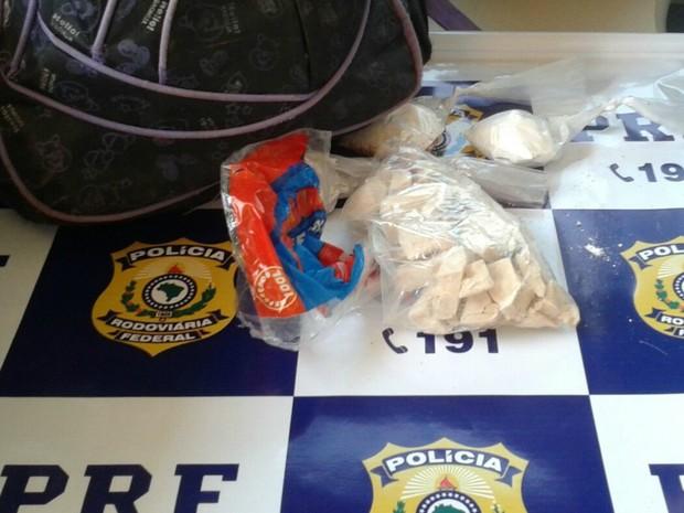 Droga estava escondida na mochila do suspeito (Foto: Arquivo Pessoal)