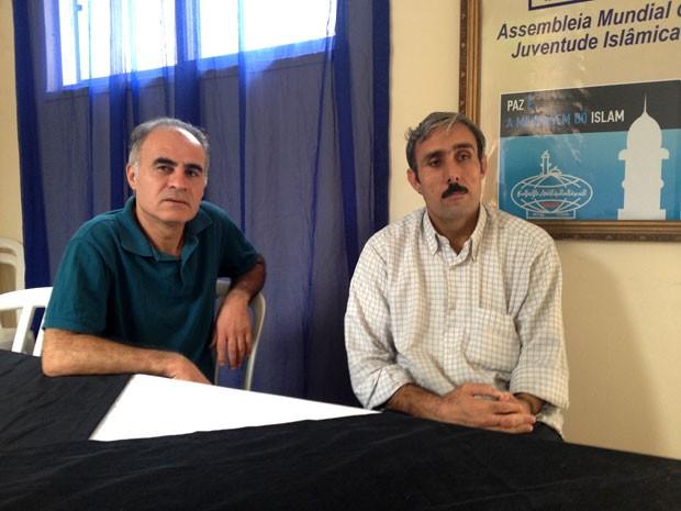 Hazem (à esquerda) e Mehy Eddin Yousef estão na Bahia desde março (Foto: Alan Tiago Alves)